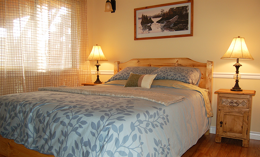 The Eagle's Nest B&B Room at Wild Pacific Bed and Breakfast in Ucluelet, Canada